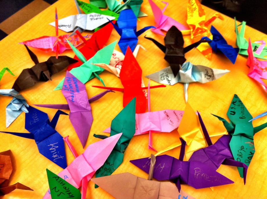 April 14, 2011 : Origami club untitled 20110413 1839 920x687