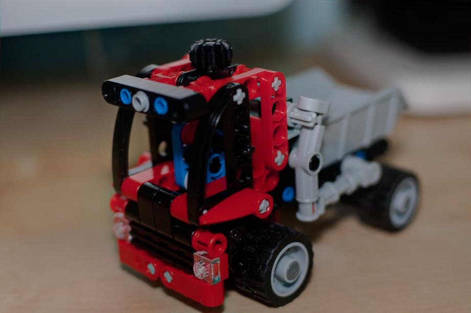 May 23rd, 2011   LEGO 8065 20110523 NIKON D40 8346 HDR 920x611
