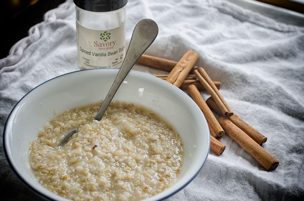 Quinoa & Steelc Cut Oatmeal with Spiced Vanilla Bean Sugar NIKON D5100 20140303 7182 11