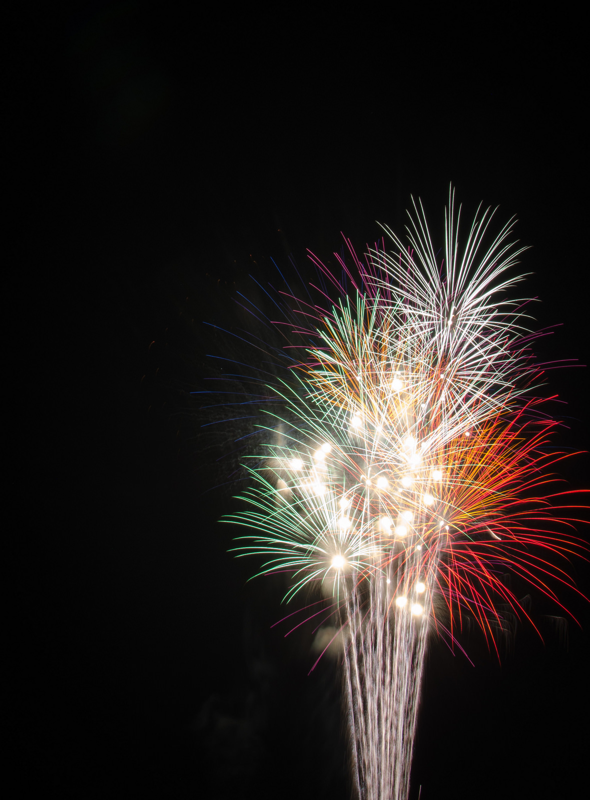 How to Photograph Summer Fireworks NIKON D5100 20140701 0664