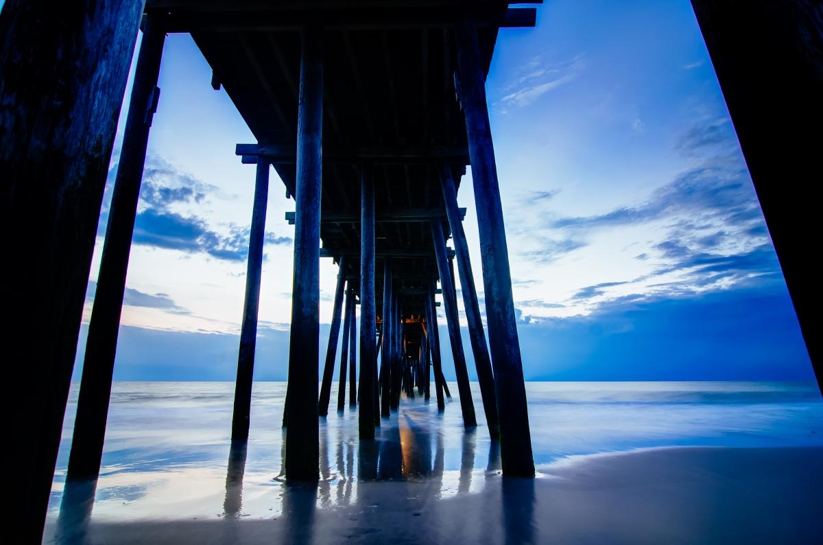 Khürt L. Williams Khurt@islandinthenet.com Under Rodanthe Pier