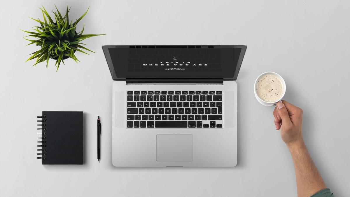 laptop macbook coffee