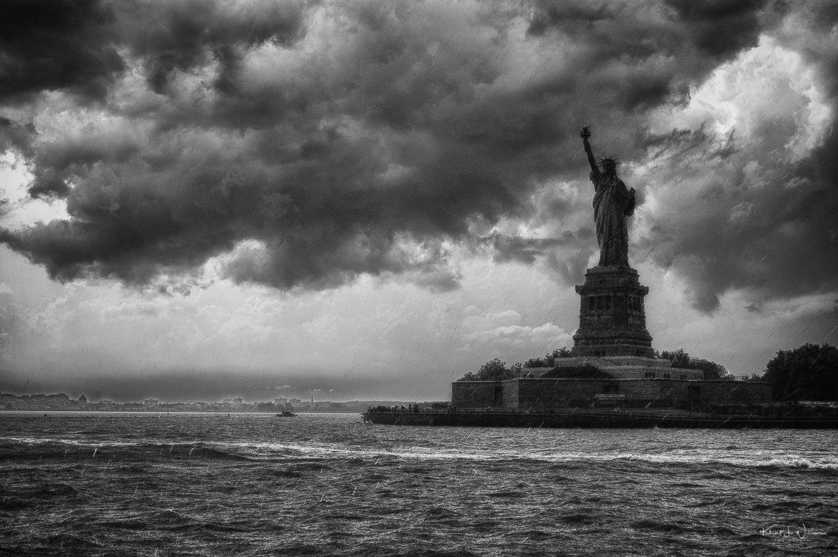 Statue of Liberty 20120815 NIKON D40 0121 HDR