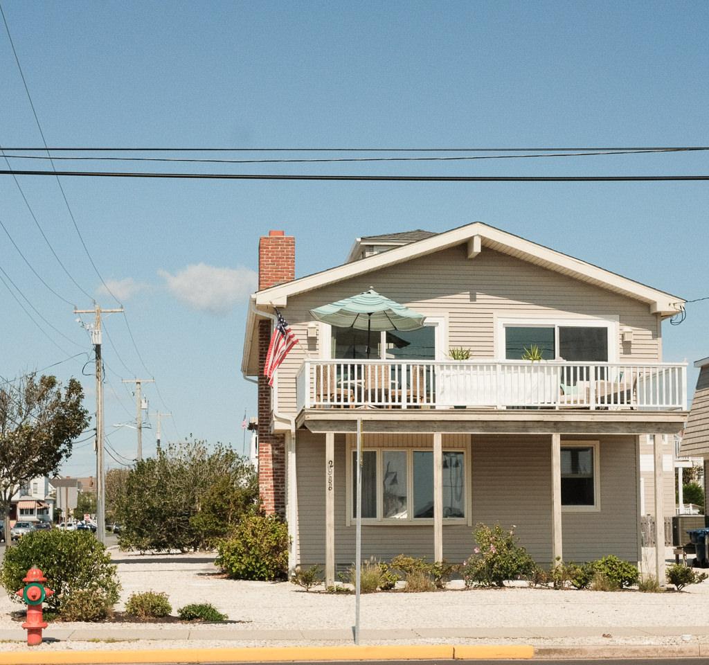 Avalon Beach Street
