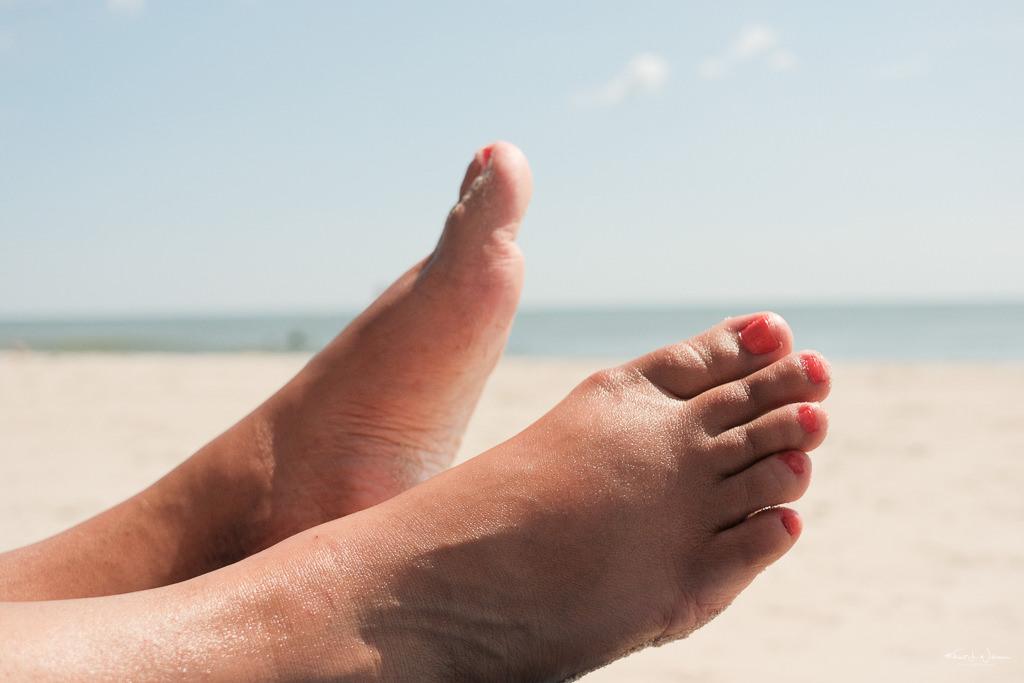 Feet, Beach Scene
