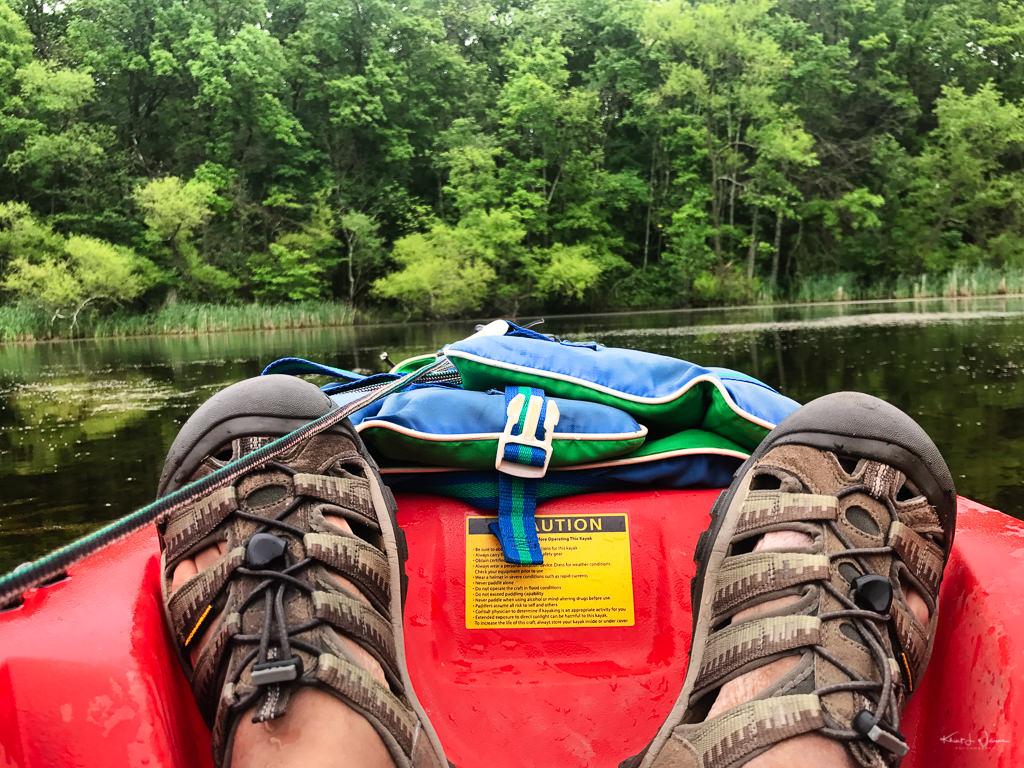 feet in kayak